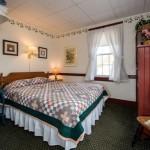 Room 2: Second Floor Queen Bedroom