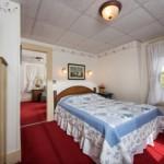Suite 8: Bedroom